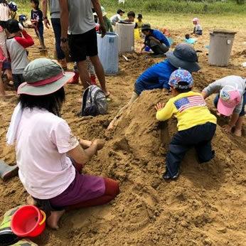 子供も大人も楽しめる「砂」ワークシップ開催